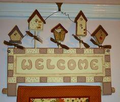 super cute quilt holder.  I love the birdhouses!