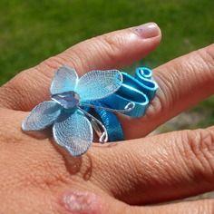 Bague fil alu bleu papillon
