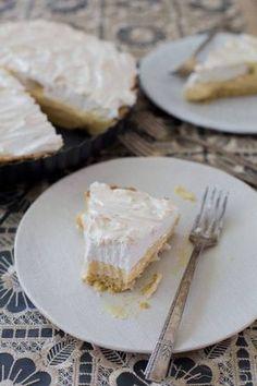 Pie de limón, receta chilena Pie Recipes, Sweet Recipes, Chilean Recipes, Chilean Food, Chili, Lemon Meringue Pie, Love Food, Food And Drink, Tasty