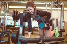 Muskelwachstum: Wie sinnvoll sind Bizeps-Curls und Co. wirklich?