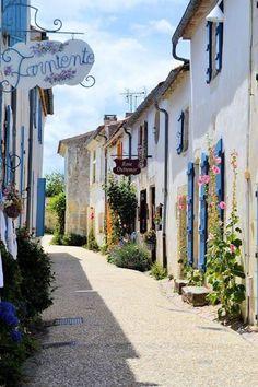 Village de Talmont, France