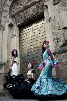 Anhelos de mujer · Moda Flamenca por Elena Rivera vía Mamá de Mayor Quiero Ser Flamenca.