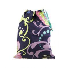 ALYSSA Schuhtasche von Zoe Totes. Diese Schuhsäckchen sind perfekt, um Lieblingsschuhen oder kleinen Handtaschen den passenden Schutz zu schenken. Jeder Schuhbeutel-Design hat einen eigenen Namen und ist mit einem Grosgrain-Zugband und einer hübschen Glasperle versehen. Maße: 25,5 x 35,5 cm. 16,95€ #Schuhpflege #Schufaufbewahrung #ClutchBag #LadyButler #Solemates #WeddingEssentials #Hochzeitshelfer #HighHeels
