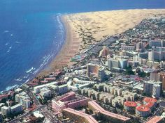 Playa del Inglés - Maspalomas - GRAN CANARIA Tenerife, Grand Canaria, Spanish Islands, Holiday Places, Spain And Portugal, Canario, Beautiful Places In The World, Island Beach, Canary Islands
