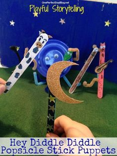 Playful Storytelling: Hey Diddle Diddle Popsicle Stick Puppets.