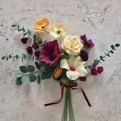 "I love foraging in my ""studio"". #nectarhollow #paperflowers #crepepaperrevival"