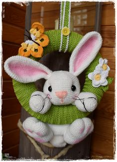 wollmauserl's Easter bunny wreath - Lilly is Love Crochet Bunny Pattern, Easter Crochet Patterns, Easter Projects, Easter Crafts, Spring Crafts, Holiday Crafts, Crochet Wreath, Bordados E Cia, Crochet Baby Toys