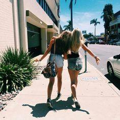 Imagen de girl, summer, and friends