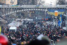 Protests in Ukraine. Institutskaya Street, February 18, 2014 | Flickr - Photo Sharing!