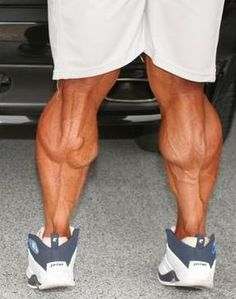 Amazing Guide To Help Build Huge Calves! Fitness Goals, Fitness Tips, Fitness Motivation, Muscle Fitness, Bodybuilding Workouts, Bodybuilding Motivation, Jay Cutler Workout, Calf Exercises, Big Calves