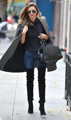 Photos Numero  Miranda Kerr Ici Dans Les Rues De New York Elle Prouve Que Les Cuissardes Peuvent Etre Cool Avec Un Jean Et Un Long Manteau