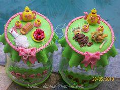 Arte em Biscuit, decoração em geral para, potes, lembrancinhas, topo de bolo etc.: pote decorado para Café e Açúcar