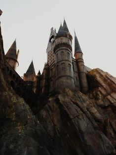 Find images and videos about harry potter, magic and hogwarts on We Heart It - the app to get lost in what you love. Scorpius Rose, Goblin King, Hogwarts Mystery, The Marauders, Storyboard, Fairy Tales, Cathedral, Fantasy, Ravenclaw