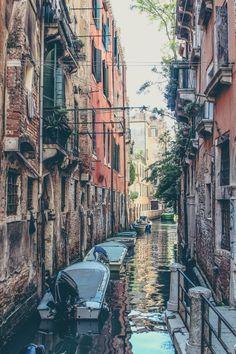 Venedig, Italien.  Den richtigen Reisebegleiter findet ihr bei uns: https://www.profibag.de/reisegepaeck/
