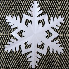 Paper Snowflakes, Christmas Snowflakes, Christmas Crafts, Christmas Decorations, Origami, Snowflake Template, Diy And Crafts, Paper Crafts, Little Boy And Girl