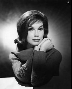 Hollywood Glamour, Hollywood Stars, Classic Hollywood, Old Hollywood, Mary Tyler Moore Show, It's All Happening, Classic Beauty, Classic Tv, Famous Faces