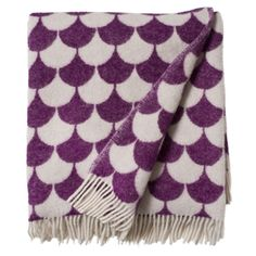 Brita Sweden large soft blankets are made from lambs wool. They are traditionally woven in Lithuania. Much is still made by hand and the blankets may therefore vary in size slightly. SIZE 130 x 180 cm Scandinavian Fabric, Scandinavian Design, Interiors Online, Natural Fiber Rugs, Soft Baby Blankets, Beautiful Interior Design, Textiles, Nursery Inspiration, Home And Deco