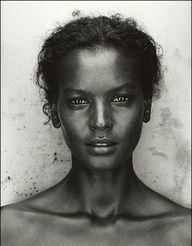 Black and White Photography (Liya Kebede) Foto Portrait, Portrait Photography, Pencil Portrait, Photography Women, Black And White Portraits, Black And White Photography, Beautiful Black Women, Beautiful People, Beautiful Eyes