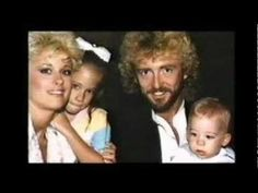 keith whitley and lorrie morgan Country Music Artists, Country Singers, Goodbye My Friend, Lorrie Morgan, Bluegrass Music, U Tube, Kinds Of Music, Music Videos, How To Become