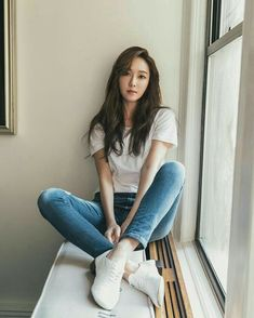 White Plain Tee with Maong Pants and Sneaker Fashion of Jessica Jung Jessica Snsd, Jessica & Krystal, Krystal Jung, Girls Generation Jessica, Girl's Generation, Seohyun, Korean Girl, Asian Girl, Jessica Jung Fashion