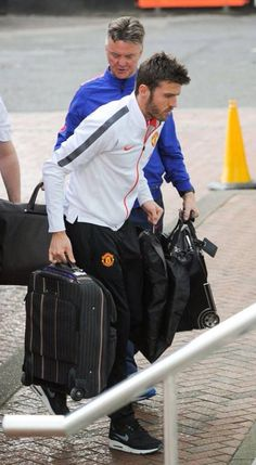 LvG and Carrick arrive at The Lowry, the night before the derby. 11.4.2015