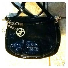 """MAKE AN OFFER! Gorgeous MK Michaels Kors BAG Mk authentic over the shoulder OR remove the  strap! This a beautiful """"snakeskin"""" look black color. It is so beautiful!  Thanks for looking! Accepting reasonable offers oh course  BEAUTIFUL BAG!! MK Michaels Kors  Bags Shoulder Bags"""