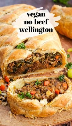 The flavor of this vegan wellington is OUT OF THIS WORLD. Beef Wellington, who? This recipe is nut-free and perfect for holiday dinner. Vegan Wellington If you have heard of Gordon Ramsay, you probably know Tasty Vegetarian Recipes, Vegan Dinner Recipes, Whole Food Recipes, Cooking Recipes, Dinner Healthy, Beef Recipes, Easy Recipes, Chicken Recipes, Best Vegan Recipes