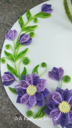 12 Easy Paper Flowers For Home Decor - Paper Strip Flower DIY Diy Paper Crafts diy paper crafts step by step Paper Quilling Cards, Paper Quilling Tutorial, Paper Quilling Flowers, Paper Quilling Patterns, Quilled Paper Art, Paper Flowers Craft, Paper Flower Tutorial, Flower Crafts, Diy Flowers