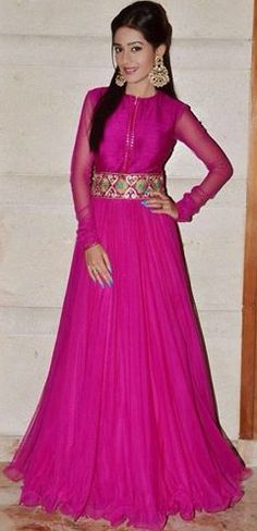 Amrita Rao was recently in Jaipur for Asian Paint Felicitation Event. She was spotted in Mayyur R Girotra's floor length pink kalidar kurti with long. India Fashion, Ethnic Fashion, Asian Fashion, Churidar, Patiala, Salwar Kameez, Indian Attire, Indian Wear, Indian Style