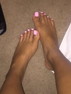 Pink Toe Nail Art Ideas for Copying 17 - Copy . : Pink Toe Nail Art Ideas for Copying 17 - Copy . Pink Toe Nails, Pretty Toe Nails, Toe Nail Color, Summer Toe Nails, Cute Toe Nails, Pink Toes, Feet Nails, Pedicure Nails, Pretty Toes