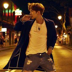 2PM's Junho tells fans not to follow him home   Koogle TV