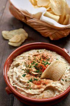 Vegan French Onion Dip Dip Recipes, Cooking Recipes, French Onion Dip, Snacks Sains, Vegan Sauces, Vegan Appetizers, Vegan Cheese, Clean Eating Snacks, Vegan Snacks