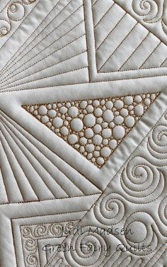 Look Mom, no computer! Free motion quilted by Judi Madsen of Green Fairy Quilts