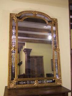 Antiguo espejo estilo veneciano