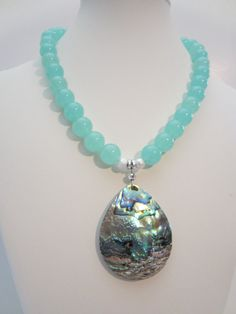 Collar Jade Malasia Aqua con abulón boda playa caída por yasmi65