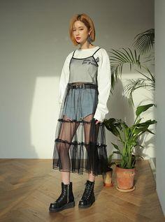 Cute Fashion, Girl Fashion, Fashion Outfits, Womens Fashion, Fashion Design, Style Fashion, Korean Fashion Trends, Asian Fashion, Moda Converse