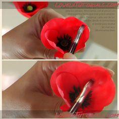 Gum paste poppy tutorial (via lovelytutorials.com).  Cukorpasztát és eszközöket vásárolj a GlazurShopban! http://shop.glazur.hu