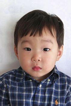 Cute Kids, Cute Babies, Passport Pictures, Triplet Babies, Superman Kids, Song Daehan, Song Triplets, Songs, Children
