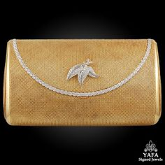 Yafa Signed Jewels specializes in Vintage Signed Jewelry pieces with such names as Cartier,HW,VCA and many more. Vintage Outfits, Vintage Clothing, Vintage Yellow, Diamond Gemstone, Evening Bags, Solid Gold, Bag Accessories, Purses And Bags, Jewels