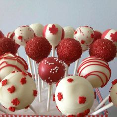 Canada Day Cake Pops Canada Day Party, Food On Sticks, White Cake Pops, Party Food Platters, Party Drinks Alcohol, Canada Holiday, Happy Canada Day, Canadian Food, Partys