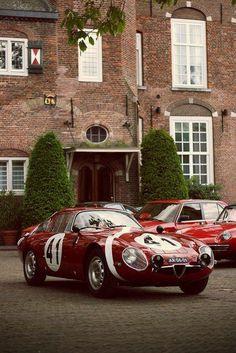 alfa romeo classic cars by lloyd Alfa Romeo, Classic Sports Cars, Classic Cars, Classic Motors, Corvette, Bmw M Power, Car Racer, Porsche, Vintage Race Car