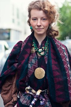 She is gorgeous! Also loving that oversize pendant
