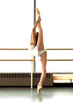#ballerina #dance #pointe #beauty #flexibility #strength #ballet #amazing #dancer