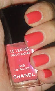 My Beauty Galleria: Chanel Le Vernis Distraction 549