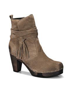 FINI Bailey brown #munich #muc #softclox #clogs #FINIBailey #brown #autumn #fall #shoes #fallshoes #fallfavorites #darksole #woddensole