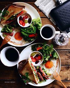 朝ごはん ホットサンド in 2020 Breakfast Platter, Breakfast Menu, Breakfast Recipes, Cafe Food, Food Menu, Good Food, Yummy Food, Think Food, Morning Food