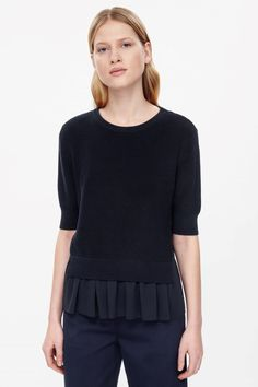 c9c5167b5f91 Shop jumpers and cardigans from the women s knitwear collection at COS