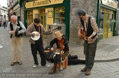Pictures of Ireland -street musicians in Galway