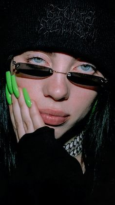 Billie Eilish, Estilo Harajuku, Bad Girl Aesthetic, Aesthetic Vintage, Bff, Favorite Person, Pretty People, My Idol, Cool Girl