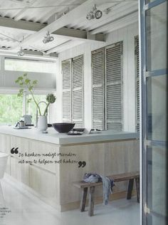 love the old shutters for cupboards with the modern island Kitchen Interior, Kitchen Decor, Kitchen Ideas, Classic Kitchen, Nice Kitchen, Kitchen Island, Interior Architecture, Interior Design, Old Shutters
